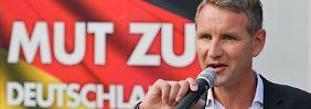 Björn Höcke, Fraktionschef der AfD im Thüringer Landtag, spricht während einer Wahlkampfveranstaltung seiner Partei in Schwerin (Mecklenburg-Vorpommern).