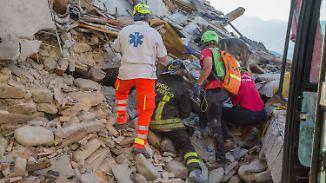 Gefährliche Suche nach Überlebenden: Unter den Erdbebenopfern sind viele Kinder