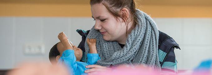 Mehr Teenager-Schwangerschaften: SPERRE_21:00_Babysimulatoren schrecken nicht ab
