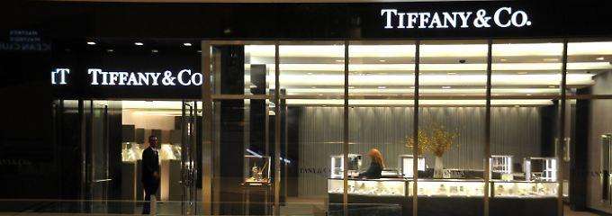 Dollarstärke verschreckt Kunden: Tiffany-Aktie glänzt trotz Umsatzrückgangs
