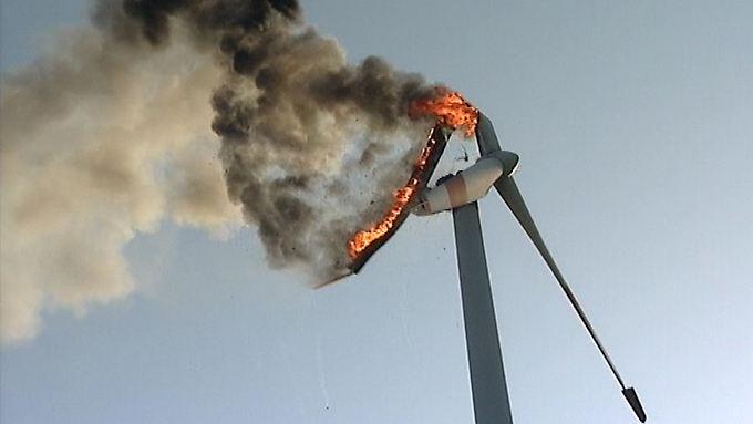 Die brennende Windkraftanlage bei Isselburg im Münsterland.
