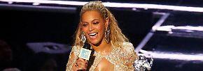 Das macht neun Preise für die Königin des Abends und jeden einzelnen nahm sie in einem anderen Outfit entgegen. So viele Moonmen - so der Spitzname des Preises - wie Beyoncé hat nun keiner - sie überholte sogar Madonna!