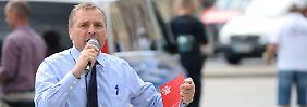 Pastörs bei einer Wahlkampfveranstaltung in Greifswald.