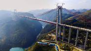 Hunderte Meter über dem Boden: Die höchste Brücke der Welt ist eröffnet