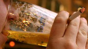 Mehr Geld für Tabak, Alkohol und Gaststätte: Wohlfahrtsverband hält neue Hartz-IV-Regelsätze für zu niedrig