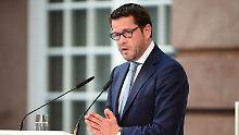 """Ex-Minister """"bringt sich voll ein"""": Guttenberg macht Wahlkampf für die CSU"""