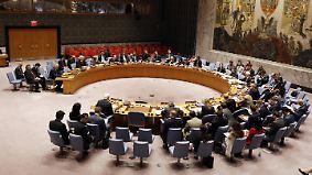 """""""Russland fördert Barbarei in Syrien"""": USA und Russland liefern sich heftige Wortgefechte im Sicherheitsrat"""