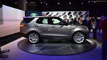Der neue Land Rover Discovery hat seine Kastenform abgelegt und fährt jetzt wesentlich dynamischer vor.