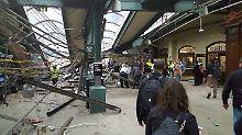 Entgleist und in Bahnhof gekracht: Eine Tote bei Zugunglück nahe New York