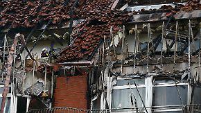 Brand lodert noch immer: Zwei Menschen sterben bei Feuer in Bochumer Klinikum