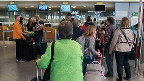 Tuifly und Air Berlin am Scheideweg: Darauf müssen sich Reisende einstellen