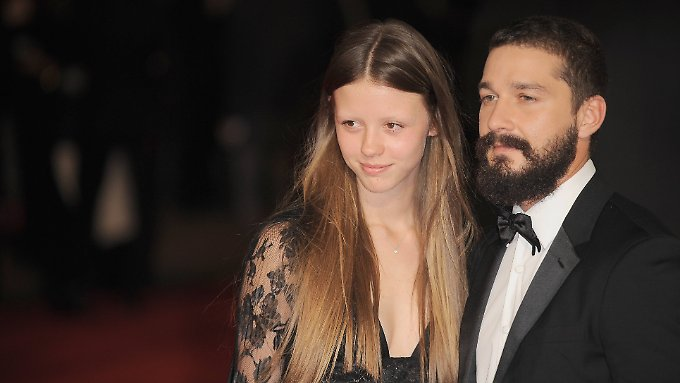 Mia Goth und Shia LaBeouf 2014 in London.