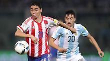 Hatten gegen Paraguay das Nachsehen: die Argentinier (hinten)