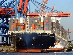 Etwa ein Drittel der weltweiten Containerschiff-Flotte wurde in Deutschland finanziert.
