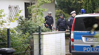 Fieberhafte Suche nach der Mutter: Zwei Kinder und Vater nahe Hamburg tot aufgefunden