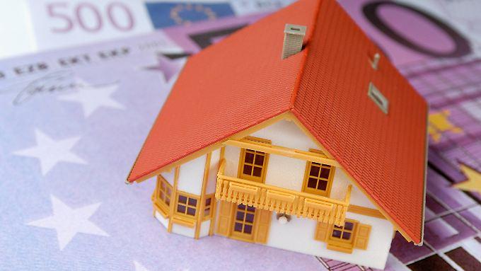 Wer sein Haus verkaufen muss, bevor das Darlehen abbezahlt ist, könnte ein finanzielles Fiasko erleben.