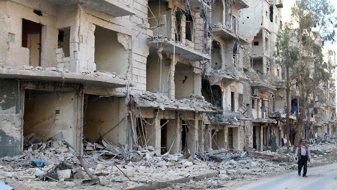 In Aleppo hat am Morgen eine inzwischen auf mehrere Tage ausgedehnte Waffenruhe begonnen.