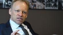 Clemens Fuest erwartet eine schnellere Reduzierung der EZB-Anleihekäufe.