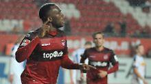 Umstrittener Osawe rettet FCK: Rote Teufel lassen Bochum im Regen stehen
