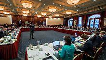 Länderchefs wollen Rücklagen bilden: Rundfunkbeitrag sinkt nicht