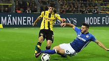 Nicht nett: Schalkes Sead Kolasinac gegen Dortmunds Christian Pulisic.