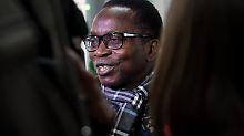 Schwarzer Priester wurde bedroht: Rassistischer Rentner bekommt Bewährung