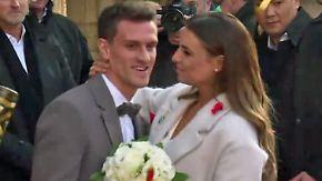 Hochzeit in Köln: TV-Moderatorin Wontorra gibt Köln-Stürmer Zoller das Ja-Wort