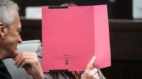 Prozess um Folterhaus in Höxter: Angeklagte Angelika W. stellt sich als Opfer dar