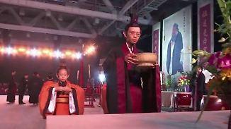 Respekt statt Drill: Kinder reicher Chinesen lernen mit Konfuzius