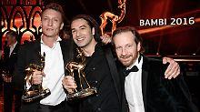 Die Preisträger Oliver Masucci (l-r), Bülent Ceylan und Fabian Busch.