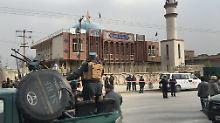 Viele Tote in Moschee befürchtet: Selbstmordanschlag erschüttert Kabul