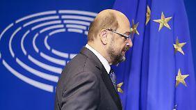 Außenminister oder SPD-Kanzlerkandidat?: Schulz kandidiert für den Bundestag