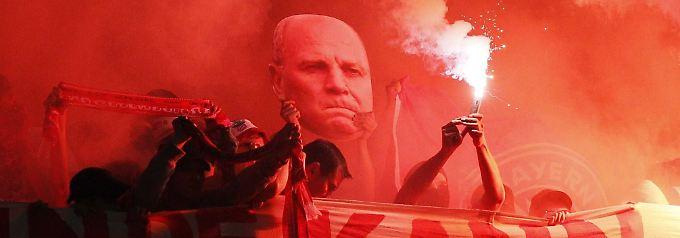 """Patriarch """"ungeschminkten Größenwahns"""": Der FC Bayern inthronisiert Uli Hoeneß"""