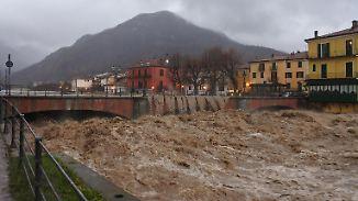 Unwetter in Italien und Frankreich: Harmlose Flüsse werden zu reißenden Fluten