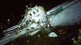 71 Tote bei Flugzeugabsturz in Kolumbien: Profi-Fußballmannschaft verunglückt auf Weg zu Finalspiel