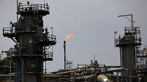 Opec reduziert Ölfördermenge: Ziehen die Preise für Heizöl und Benzin an?