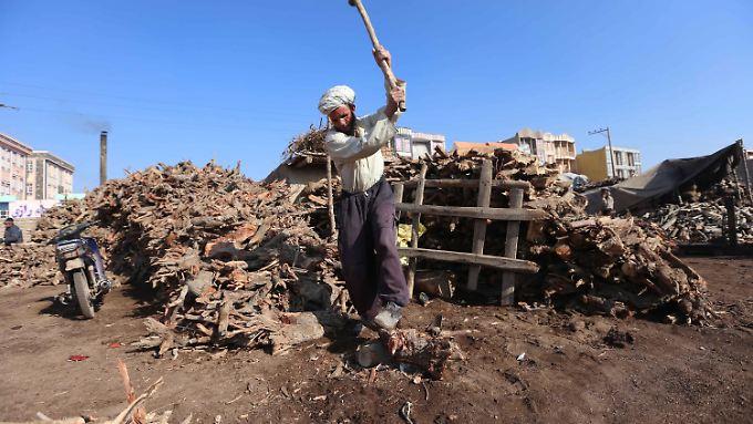 Die Menschen in Afghanistan bereiten sich auf einen harten Winter vor.