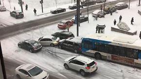 Eisige Karambolage in Montreal: Rutschpartie auf Glatteis geht um die Welt