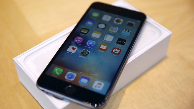 Das iPhone 6s gehört zu den Geräten, die Apple zum Schutz der Elektronik drosselt.