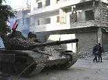 Die syrische Armee erobert weiter Teile von Aleppo - nun werden Tausende Zivilisten aus der Stadt gebracht.