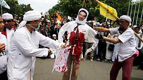 Massenproteste in Jakarta: Muslime wollen christlichen Gouverneur verhaften lassen