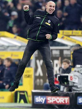 Glücksritter: Gladbachs angezählter Coach Andre Schubert und sein Team.