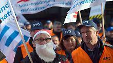 Mehr Geld oder mehr Freizeit?: Bahn und EVG legen Tarifstreit bei