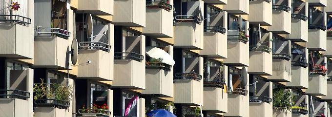 In den vergangenen vier Jahren ist die durchschnittliche Größe einer Wohnung zwar gewachsen, die Wohnfläche je Person aber gleichzeitig zurückgegangen.