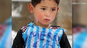 """Persönliches Treffen in Doha: Lionel Messi erfüllt """"Plastiktüten""""-Flüchtlingskind einen Traum"""