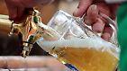Bier, Schokolade und die alte Jeans: Worin steckt am meisten Wasser?
