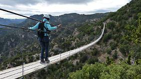 Nichts für Menschen mit Höhenangst: Im Abenteuerpark können Besucher den Canyon per Hängebrücke oder Zipline überqueren.