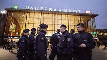 Der Polizeieinsatz zu Silvester in der Kölner Innenstadt sorgt auch zwei Tage später noch für Diskussionen.