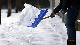 Regeln für Mieter und Hauseigentümer: Wer muss wann und wie Schnee schnippen