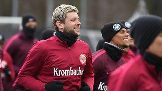 Russ nach Krebserkrankung zurück: Fußball-Bundesligisten starten ins Rückrunden-Training
